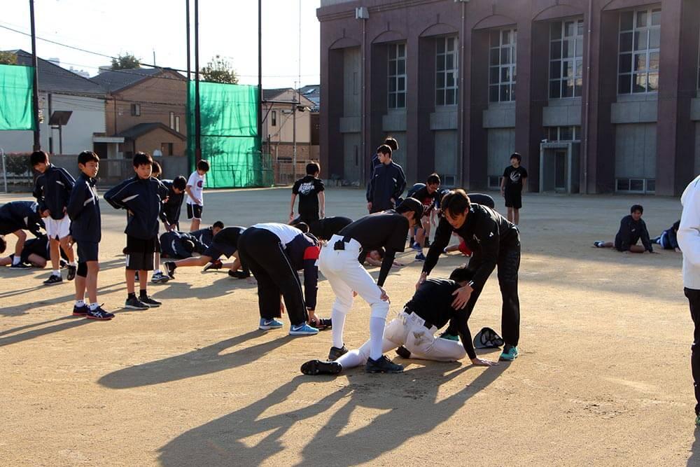 東京都豊島区西池袋中学校にてスポーツ技術指導